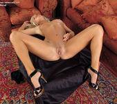Natali Blond - InTheCrack 12