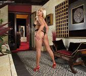 Lea Lexis - InTheCrack 2