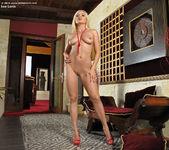 Lea Lexis - InTheCrack 9