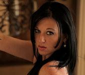Licious Gia - Sexy Lady - Anilos 3