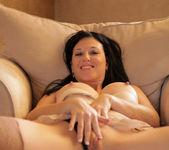 Licious Gia - Sexy Lady - Anilos 16