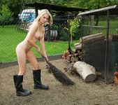 Farmer's Wife - Whitney 15