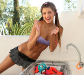 Washerwoman - Maria - Watch4Beauty 8