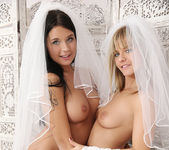 Brides - Bella Babe & Mia Manarote 2