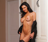 Veronica Avluv - Dirty Wives Club 6