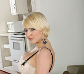 Kagney Linn Karter - Housewife 1 on 1 3