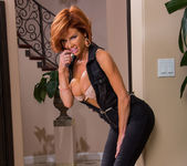 Veronica Avluv - Seduced By A Cougar 2