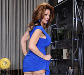 Deauxma - Seduced By A Cougar 2