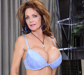 Deauxma - Seduced By A Cougar 4