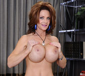 Deauxma - Seduced By A Cougar 7