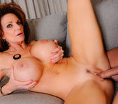 Deauxma - My Friend's Hot Mom 19