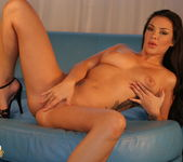 Sophia Santi Teases you and wants you to touch it 7