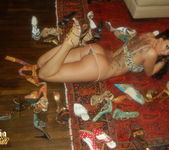 Sophia Santi getting naked with her high heels 4