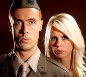 Tara Lynn Fox & Richie Calhoun - This Ain't Homeland 2