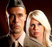 Tara Lynn Fox & Richie Calhoun - This Ain't Homeland 9