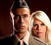 Tara Lynn Fox & Richie Calhoun - This Ain't Homeland 10