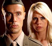 Tara Lynn Fox & Richie Calhoun - This Ain't Homeland 19