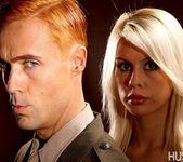 Tara Lynn Fox & Richie Calhoun - This Ain't Homeland 23
