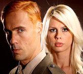 Tara Lynn Fox & Richie Calhoun - This Ain't Homeland 28