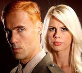 Tara Lynn Fox & Richie Calhoun - This Ain't Homeland 29