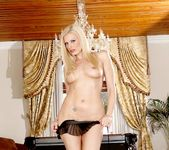 Brett Rossi - Kittens and Cougars 5 10