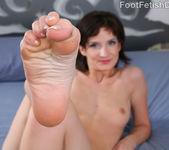 Petra Davis European Feet with Hairy Bush 2
