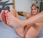 Riley Rey Sexy Pink Toes - Foot Fetish Daily 2