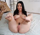 Rayveness Footjob - Foot Fetish Daily 5