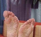 Syren De Mer Cummy Footjob 4