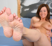 Taylor Vixen Foot Worship - Foot Fetish Daily 2