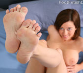 Taylor Vixen Foot Worship - Foot Fetish Daily 3