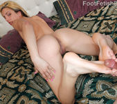 Carmen Minor Reverse Footjob 11