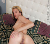 Carmen Minor Reverse Footjob 14