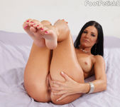 India Summer Exposes Feet and Gets Fucked 5