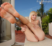 Alt Babe Emma Mae Tastes the Cock and Gives a Footjob 6