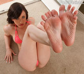 Jennifer White Exposes Smooth Soles and Toes and Gets Fucked 3