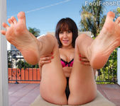 Sasha Exposes her Pink Toes, Wrinkly Soles and Big Titties 3