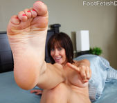 Sasha Exposes her Pink Toes, Wrinkly Soles and Big Titties 6