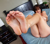 Sasha Exposes her Pink Toes, Wrinkly Soles and Big Titties 7