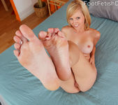 Hayden and Her Sexy Friend Darryl Lick Feet and Eat Pussy 7