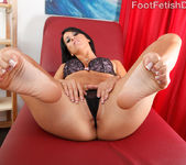 Sophia Shows Off Her Hot Body and Gives a Sexy Footjob 4