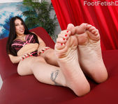 Esperanza Diaz Wraps Her Big Feet Around a Fat Cock 2