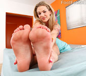 Bailey Blue Excites Her Boyfriend With Her Beautiful Feet 6