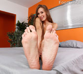 Aiyana Flora Spreads Her Pink Pussy and Gives a Hot Footjob 4