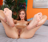 Aiyana Flora Spreads Her Pink Pussy and Gives a Hot Footjob 5