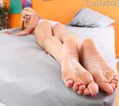 Vanessa Cage Has Her Toes Sucked and Soles Fucked 4