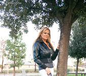 Lovers Park - Kelly Madison 5