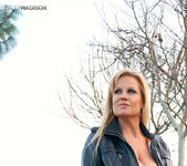 Lovers Park - Kelly Madison 12