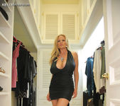 Hermosa Tarde - Kelly Madison 2
