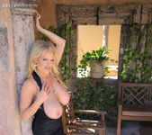 Hermosa Tarde - Kelly Madison 16